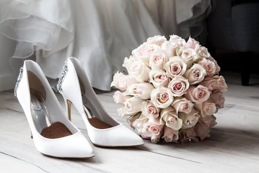 Who Pays for What in a Wedding – 10 Mind-Blowing Facts.